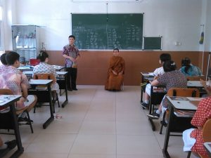 Bhikkhu Atthadiro goes to School