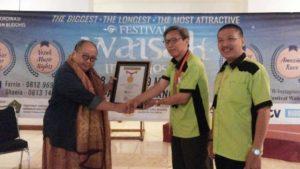 Umat Buddha patut berbangga mendapat rekor Muri untuk Festival Waisak 2016 dari BKPB