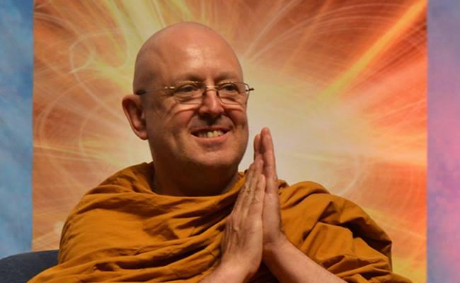 meditasi dan senyum by ven Ajahn Brahm share oleh tisarana.net media informasi dan komunikai umat buddha indonesia